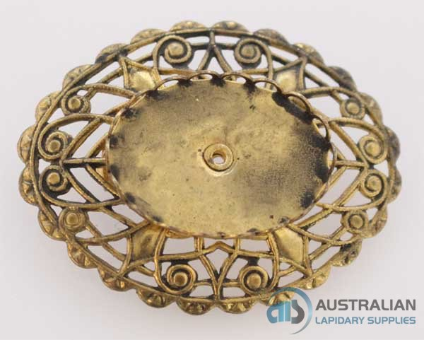 FREE21 25 x 18 Lace-edge Brooch in Antique Gold