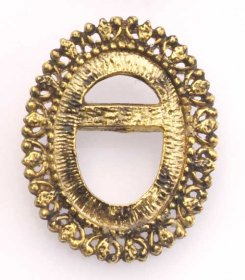 FREE23 30x22 Recessed-edge Brooch Pendant in Antique Gold