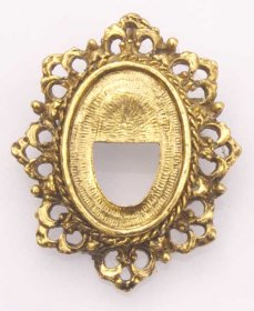 FREE22 25 x 18 Recessed-edge Brooch Pendant in Antique Gold